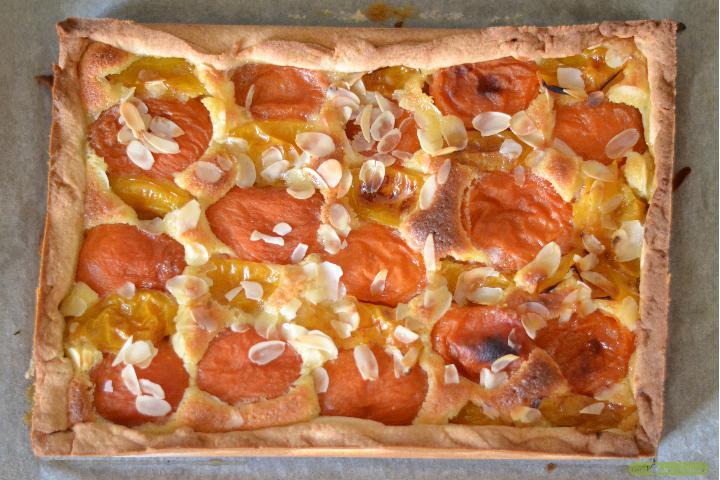 tarte-abricotprune-a-la-creme-damande-2