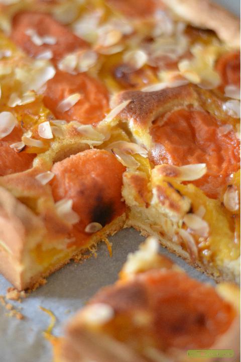tarte-abricotprune-a-la-creme-damande-3