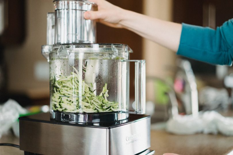 comment choisir son robot cuiseur multifonction les bo tes de marie. Black Bedroom Furniture Sets. Home Design Ideas